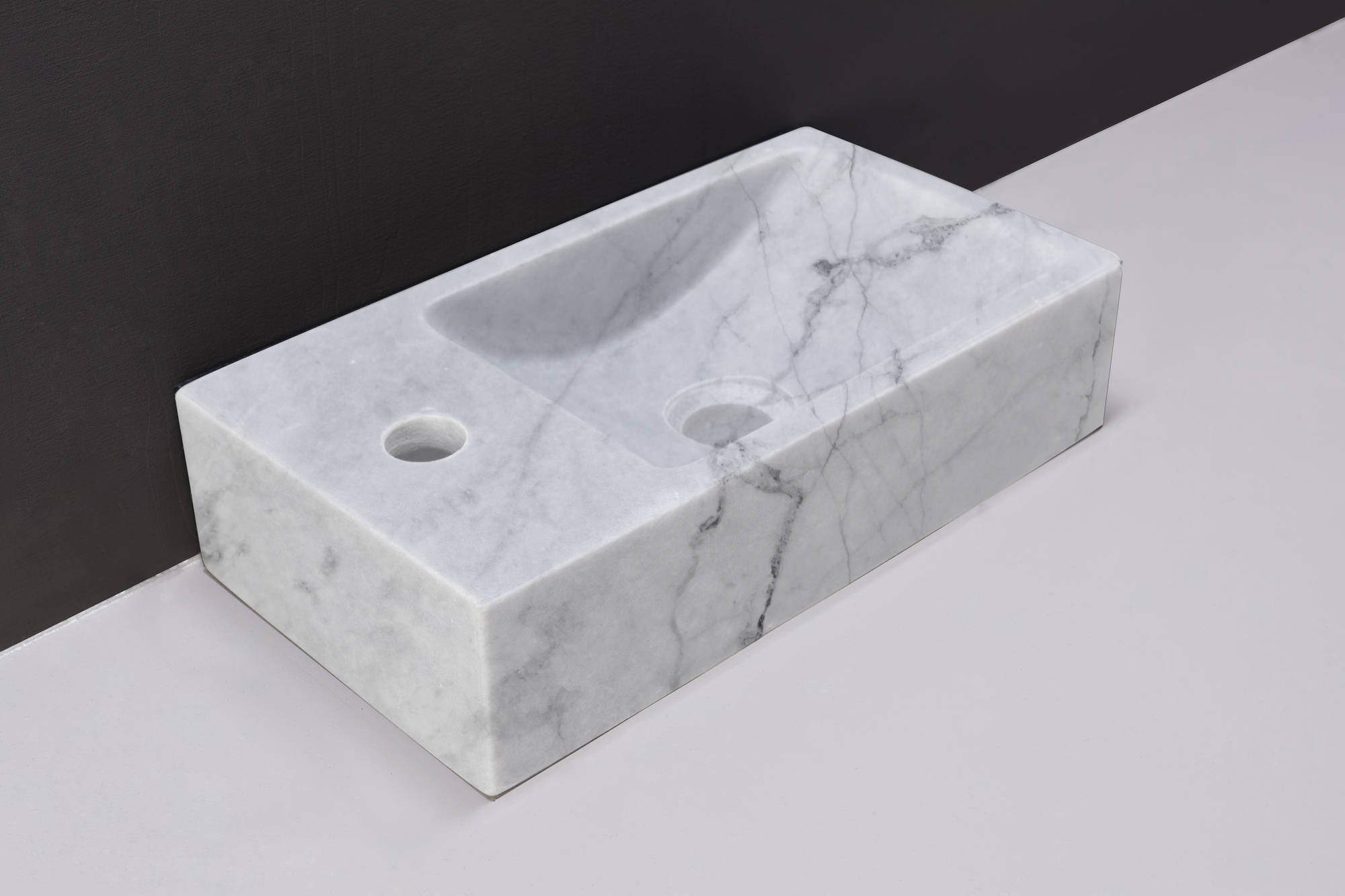 Forzalaqua Venetia Fontein Links 40x10x22 cm 1xø36 mm Carrara Marmer Gepolijst