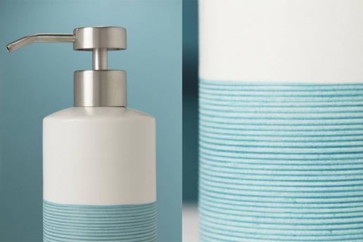 Badkamerinrichting met heldere blauwtinten