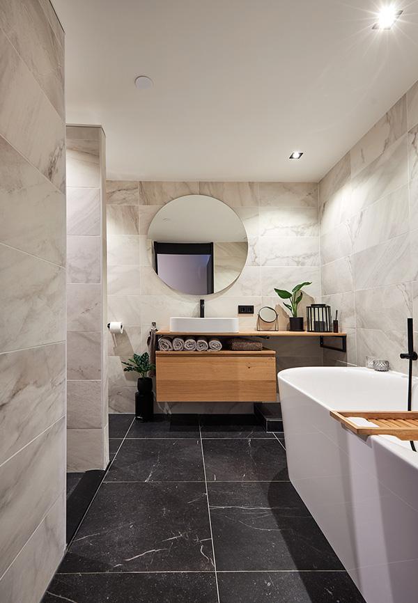 Moderne Scandinavische badkamer