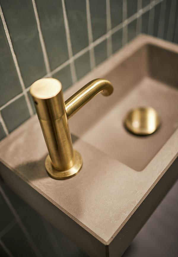 Gouden toiletkraan