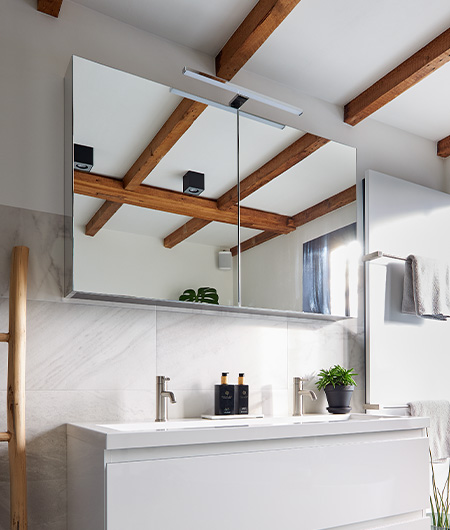 extra opbergruimte met spiegelkast
